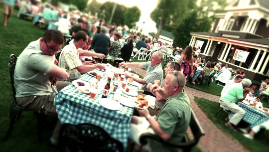 beer dinner crowd