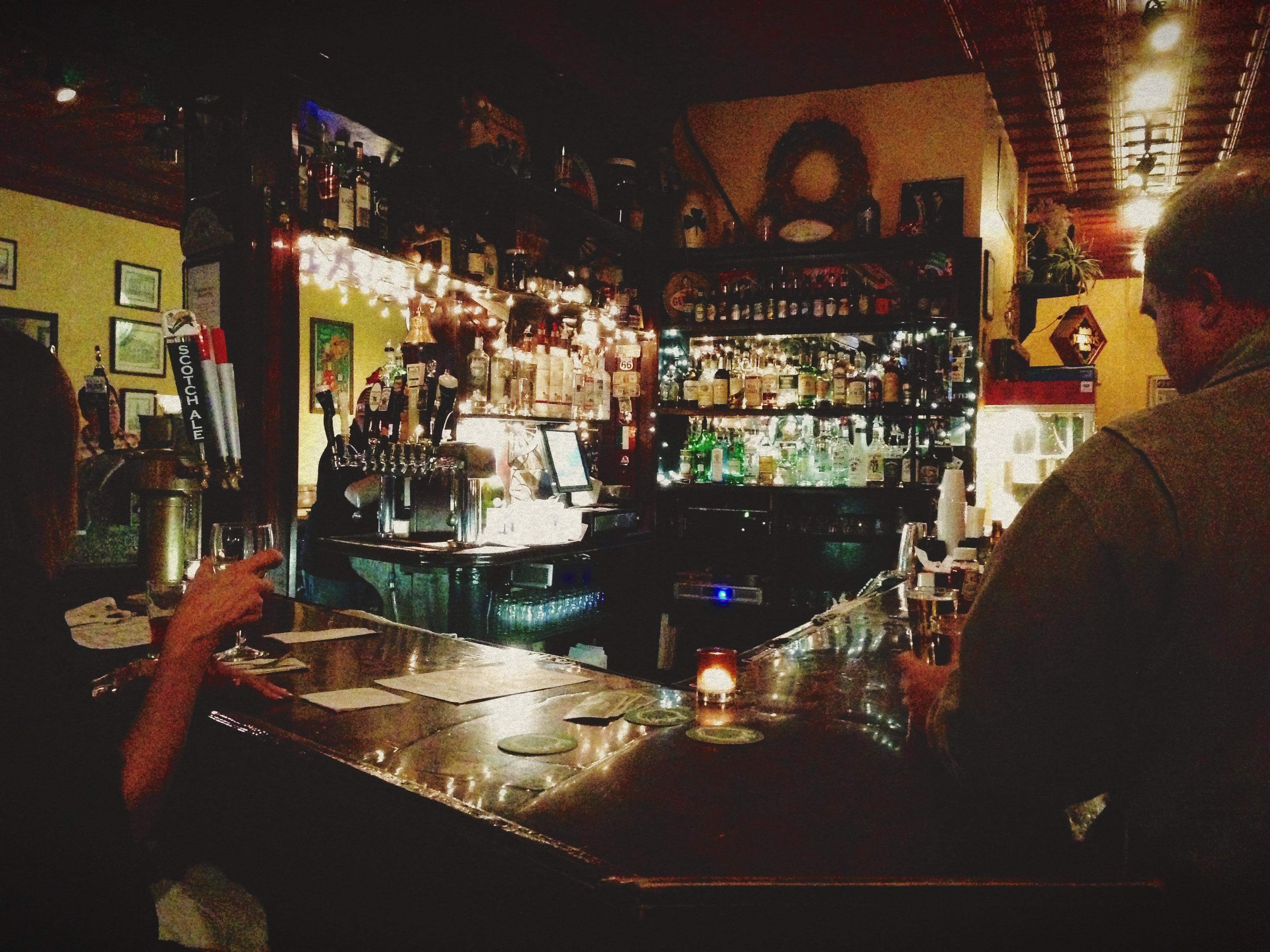 johnnys irish pub